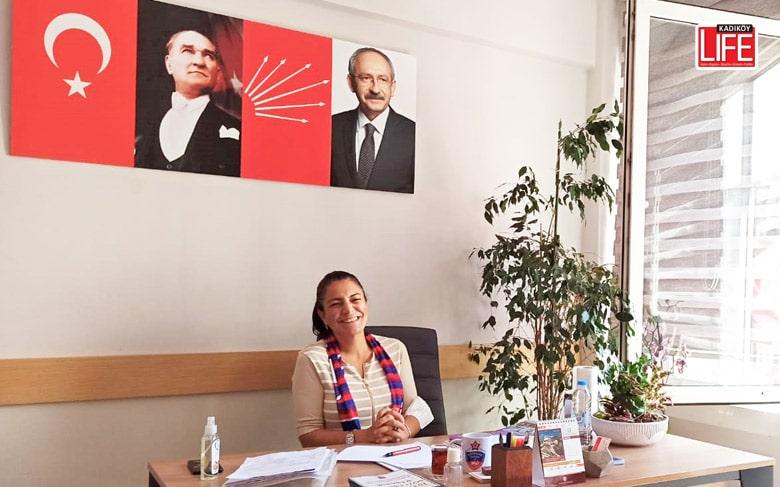 CHP Kadıköy Kadın Kolları Başkanı Yasemin Özsaraç